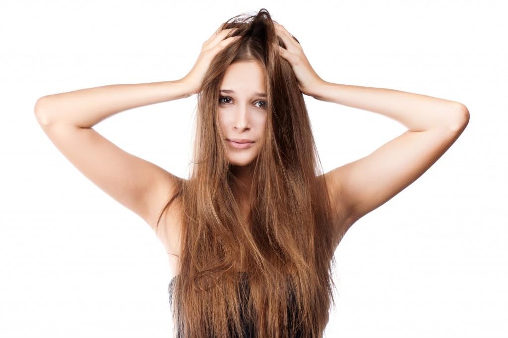 Маска с облепиховым маслом для волос «Рецепты бабушки Агафьи» прекрасно восстанавливает сухие и поврежденные волосы