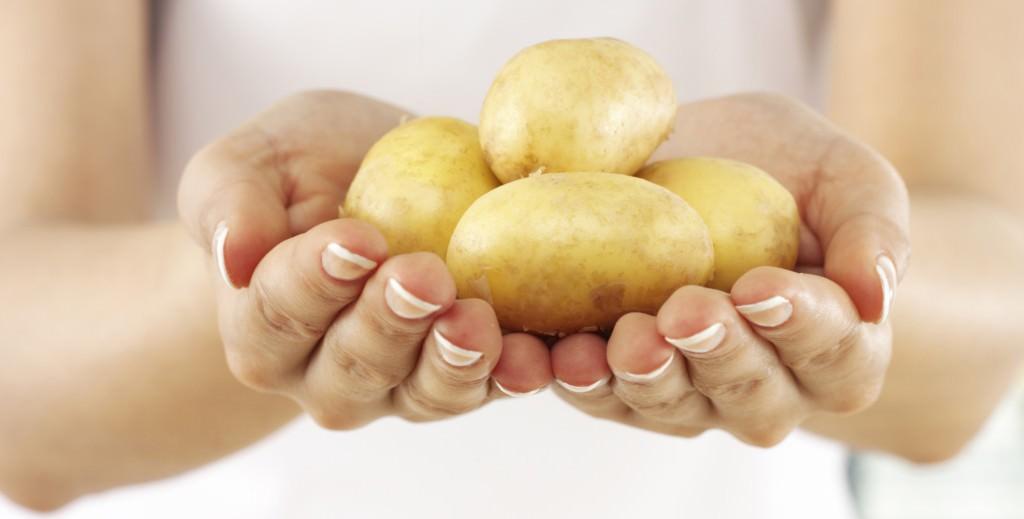 Картофельные маски особенно полезны для сухой кожи лица