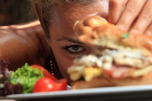 8 способов обмануть аппетит и похудеть