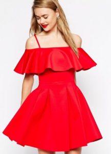 Фасоны красивых и летящих платьев с воланом на плечах