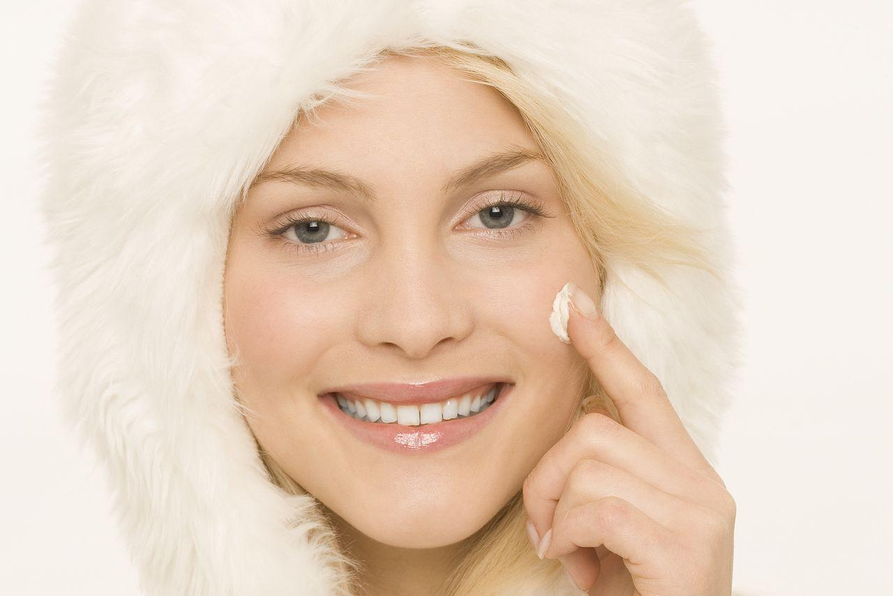 Уход за кожей лица в холодное время года