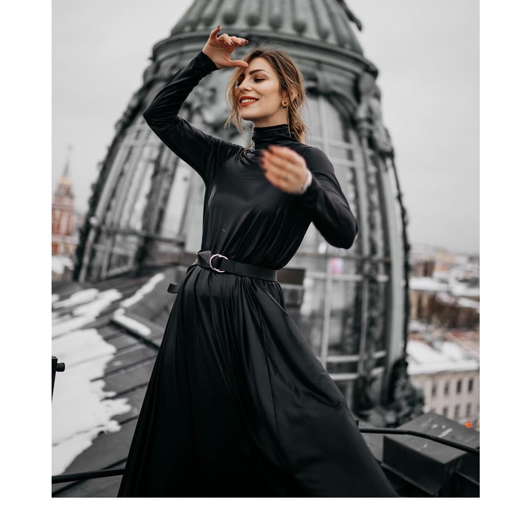 5 женственных платьев, которые можно носить даже зимой