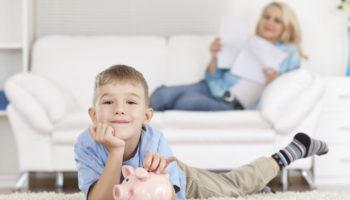 Стоит ли платить ребёнку за помощь и успехи в учебе: за и против