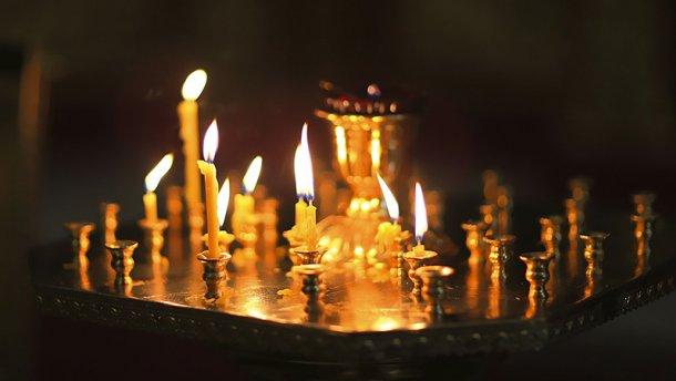свечи в церкве