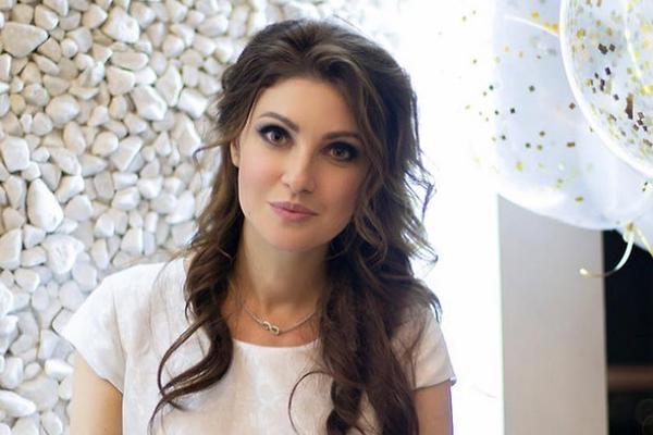 «Давка была страшной»: Анастасия Макеева сообщила, с чем столкнулась на железнодорожной станции