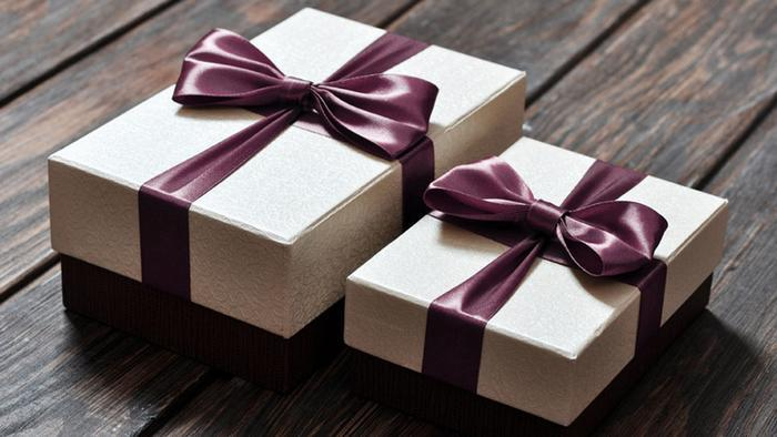 два подарка