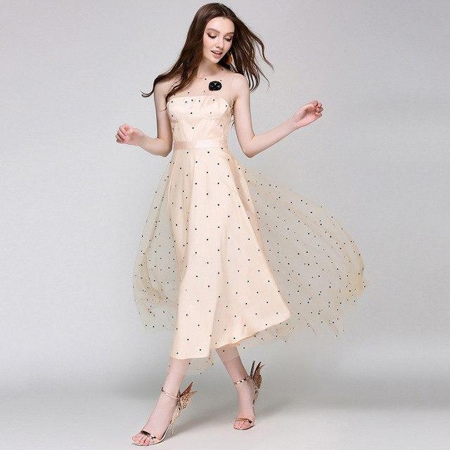 платье в горошек с Вышивка