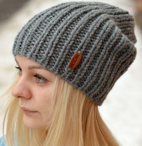 Серая шапка-бини