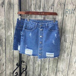 С чем можно носить джинсовую юбку, правила сочетания и как создать красивый образ