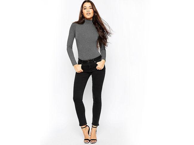 водолазка с джинсами черными