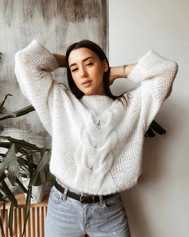 С чем носить свитер белого цвета, популярные женские модели и модные образы