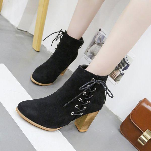 Стильные модели женских ботильонов на платформе и с чем лучше носить такую обувь
