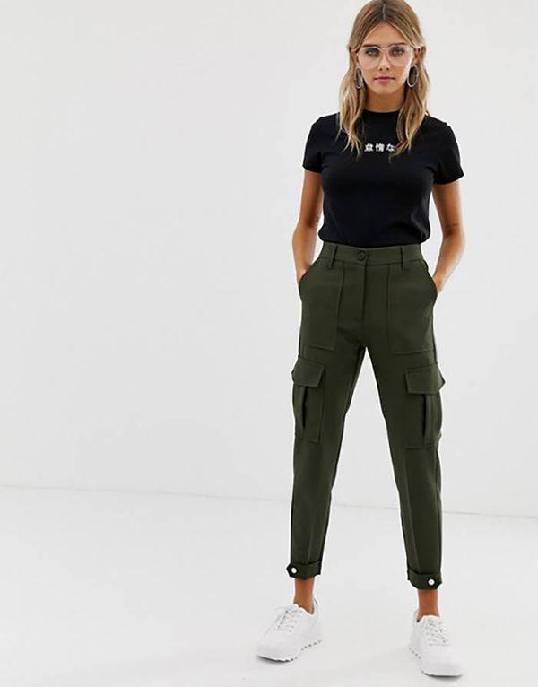 Обзор фасонов и моделей брюк карго, с чем носить и модные образы