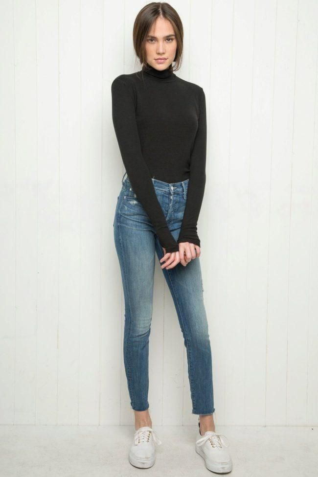 водолазка с джинсами