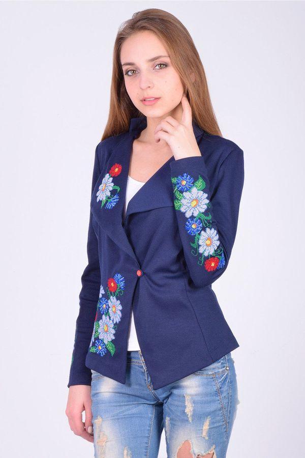 Женский пиджак с вышевкой