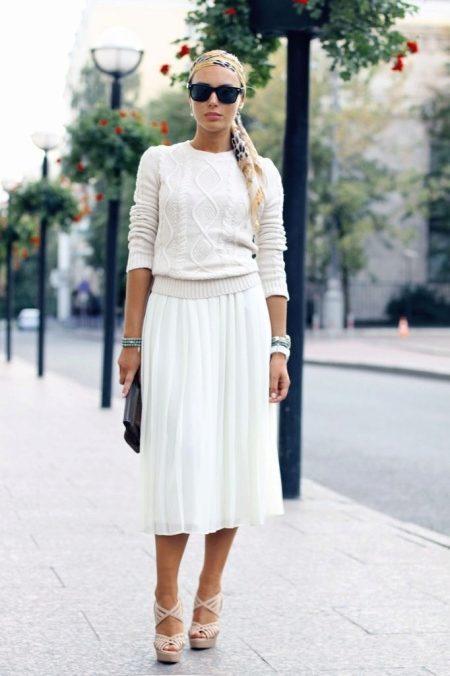 белый свитер миди