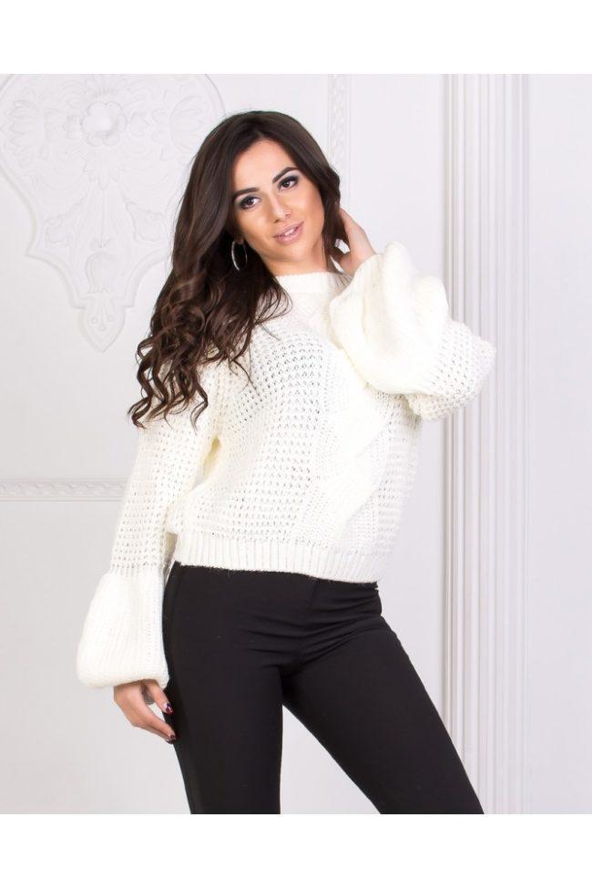 свитер с рукавами фонариками