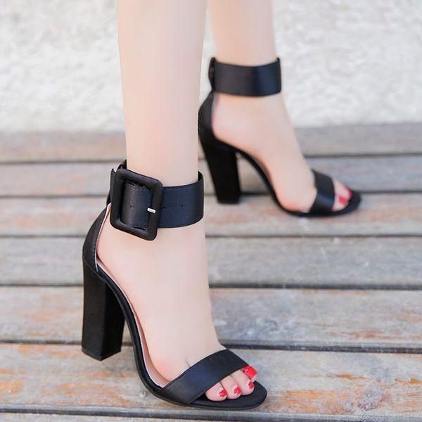 Красивые модели женских босоножек на каблуке и как правильно выбрать обувь