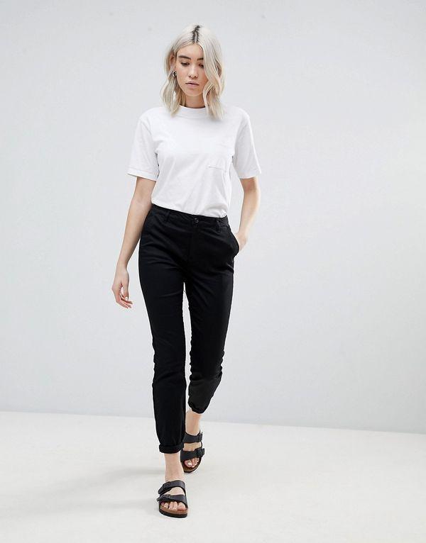 черные брюки чинос