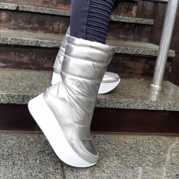 С чем носить модные женские зимние дутики и обзор стильных моделей сапог