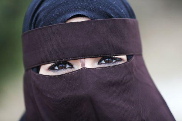 Как красиво завязать хиджаб, разновидности и правила ношения