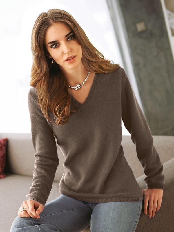 Красивые модели женских кашемировых свитеров, с чем носить и обзор модных луков