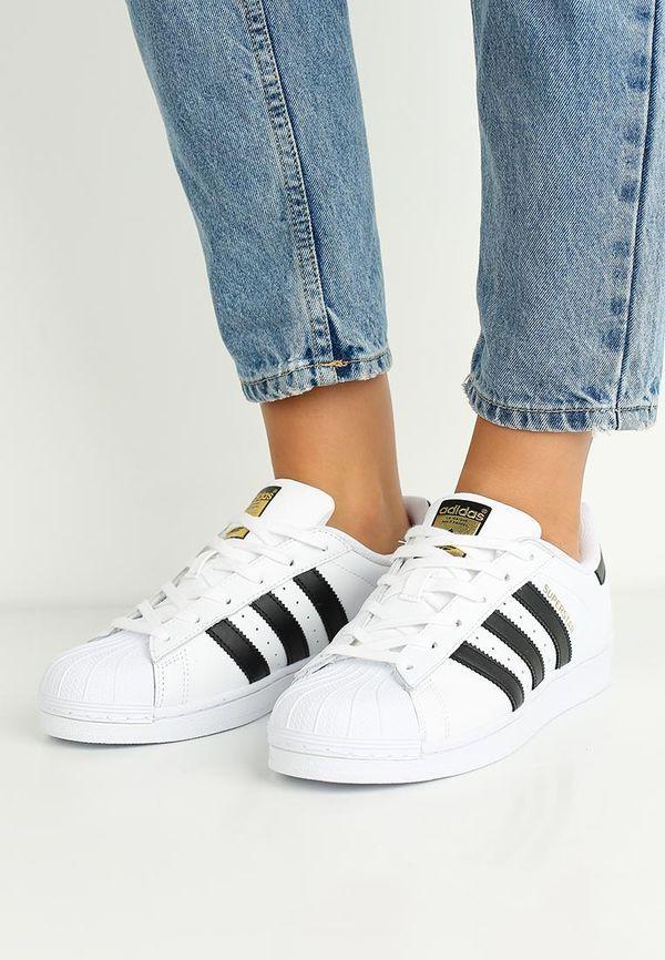 Обувь фирмы Адидас