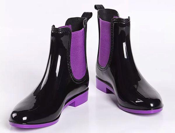 Красивые модели женских резиновых ботинок, с чем носить и обзор стильных луков