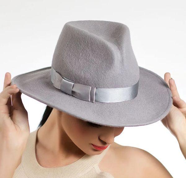 серая шляпа