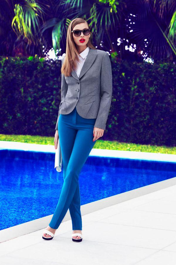 Пиджак и брюки женские модные синие