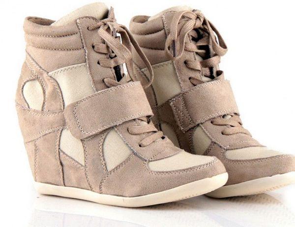 спортивная обувь yна танкетке