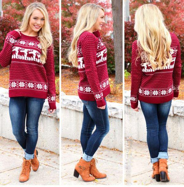 Красивые женские модели свитеров с оленями и обзор модных луков