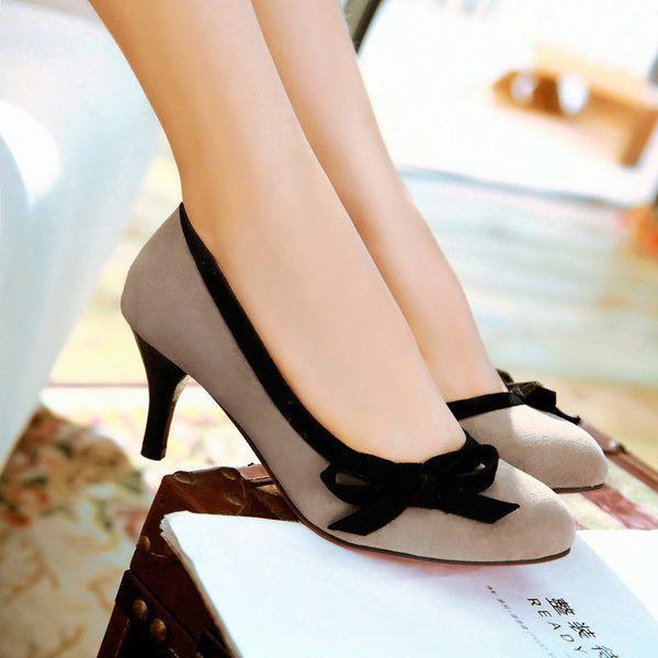 Туфли-лодочки на низком каблуке