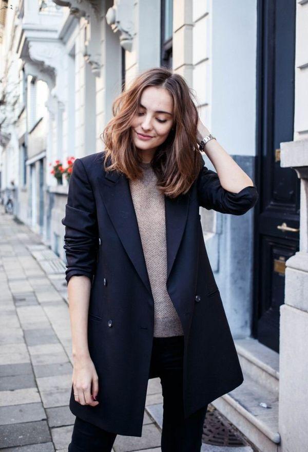 Стильные модели женских удлиненных пиджаков и с чем носить такую одежду