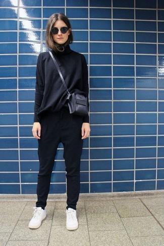 женские брюки галифе с кедами