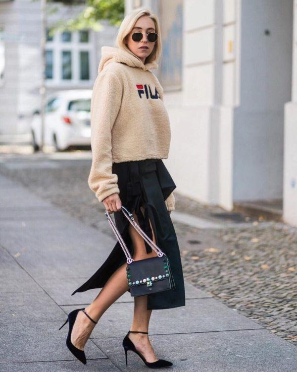 Модные модели и фасоны женских худи, с чем носить такую одежду