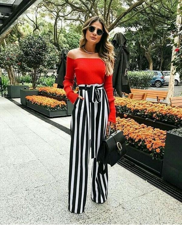 модный образ с полосатыми юбкой-брюками