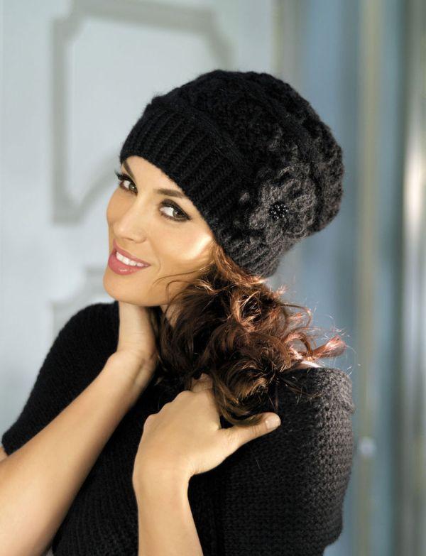 черная шапка вязанная