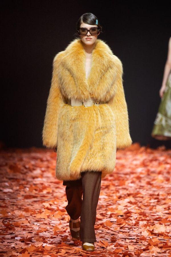 Стильные фасоны модных шуб 2021 года, новые тенденции и лучшие коллекции